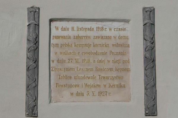 Tablica upamiętniająca założenie Kompanii Kórnickiej